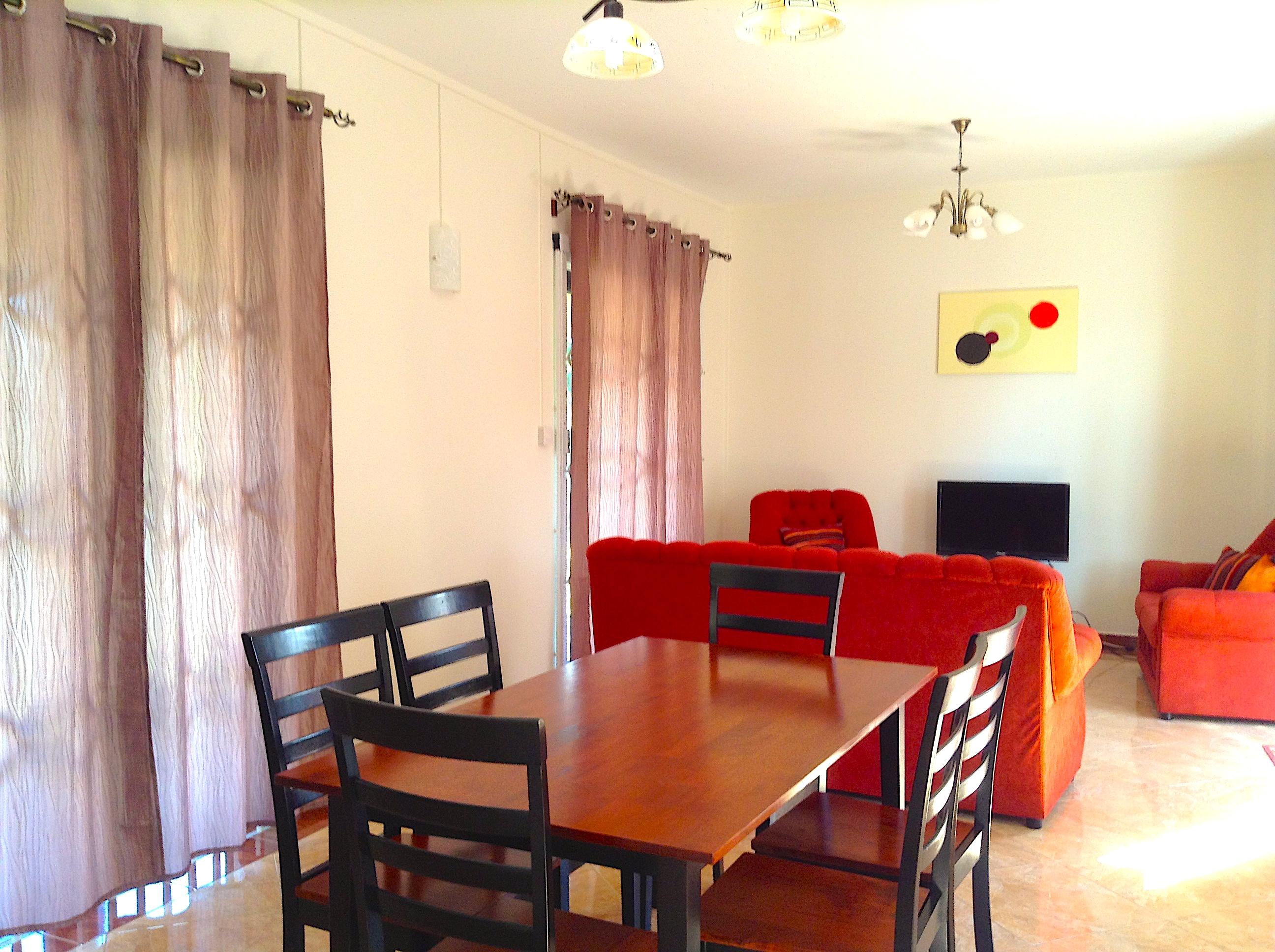 REF-MA346645L – Maison en Location à Ebène