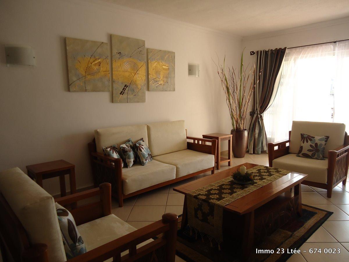 REF-AP345786L – Appartement en Location à Trianon