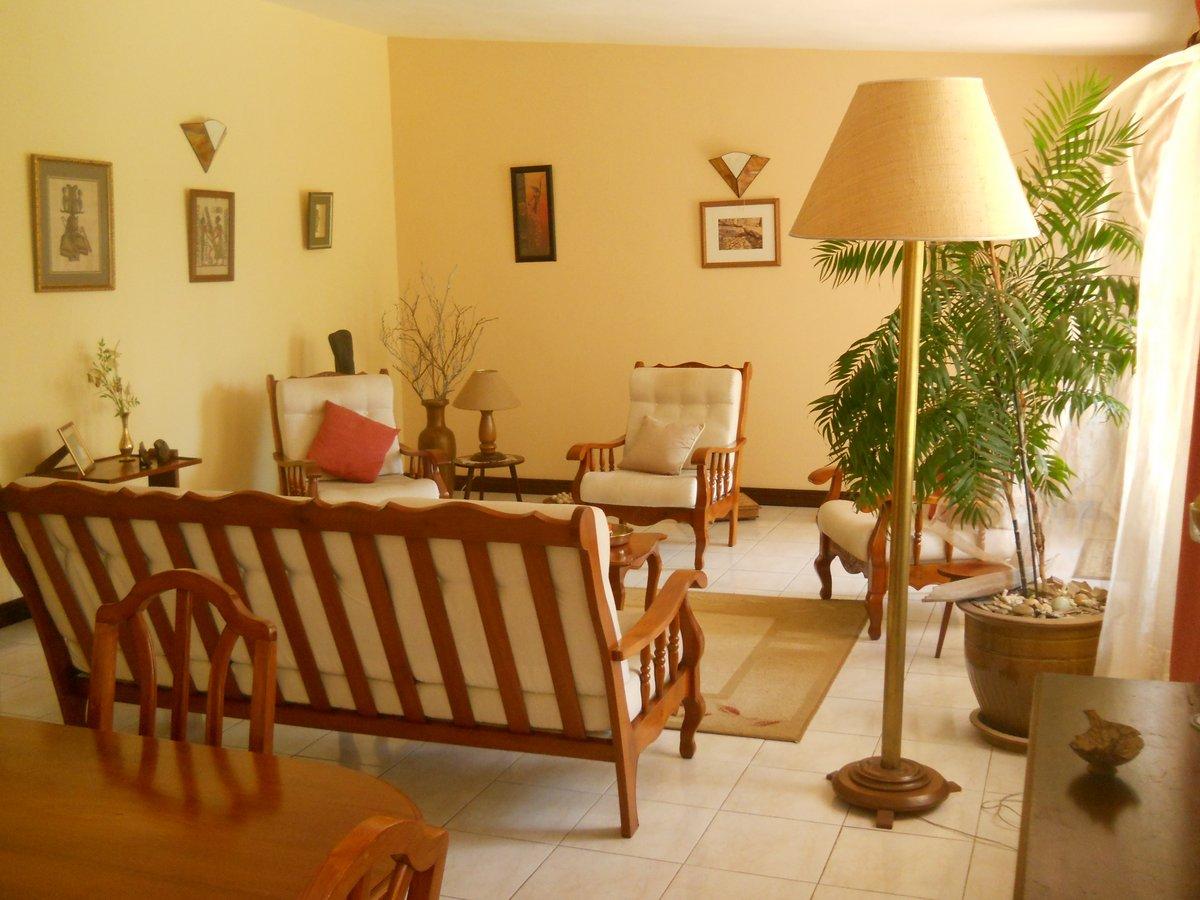REF-MA347477V – Maison en Vente à Forest Side