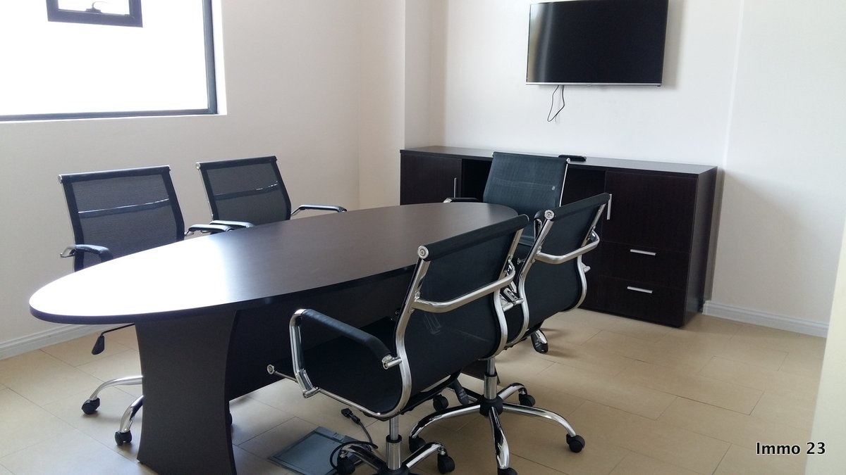 REF-BU347985L – Bureau en Location à Port Louis